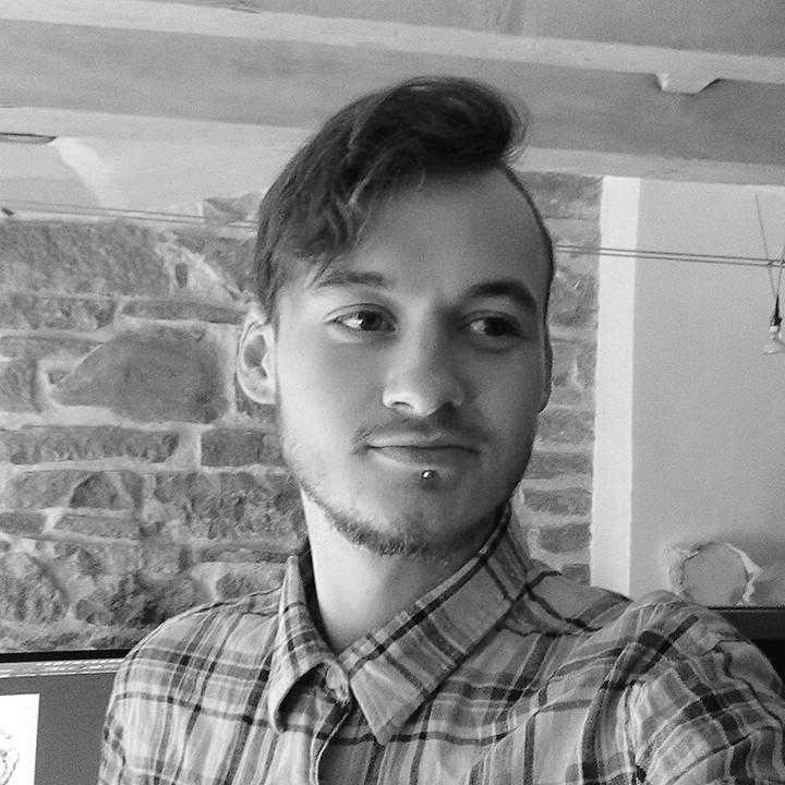 Moi, Fabien, Graphiste et Web Designer Freelance